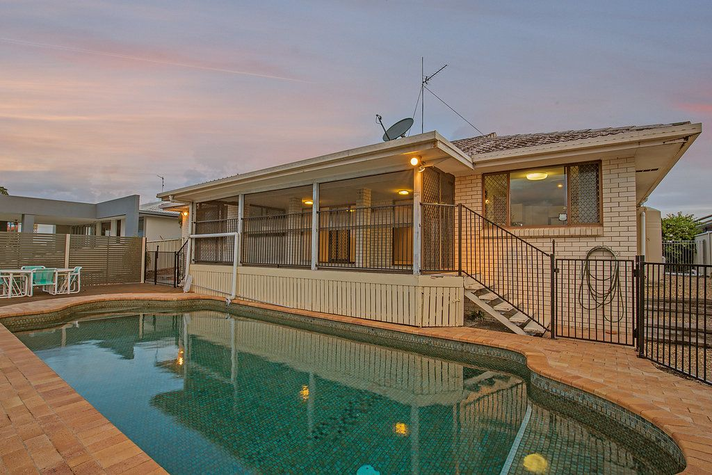 10 Weatherly Ave, Mermaid Waters QLD 4218, Image 0
