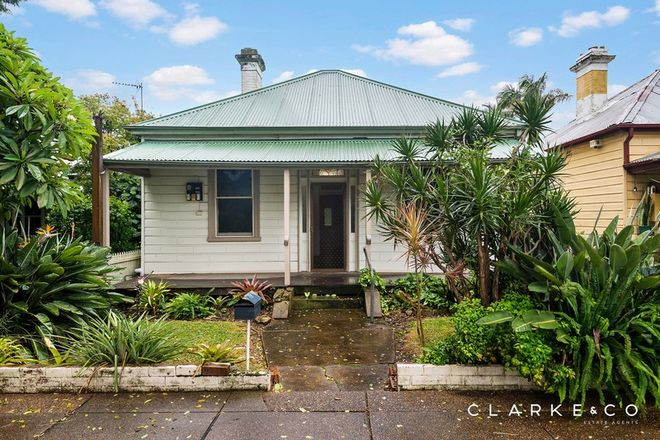 Picture of 10 Roxburgh Street, LORN NSW 2320