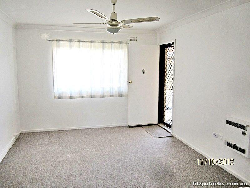 2/11 Nordlingen Drive, Tolland NSW 2650, Image 2