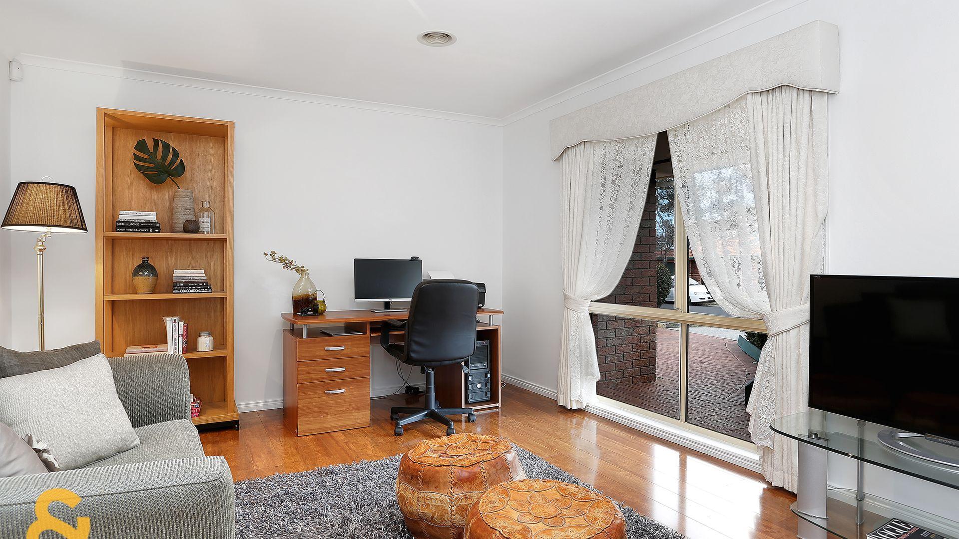 8 Bonney Place, Roxburgh Park VIC 3064, Image 2