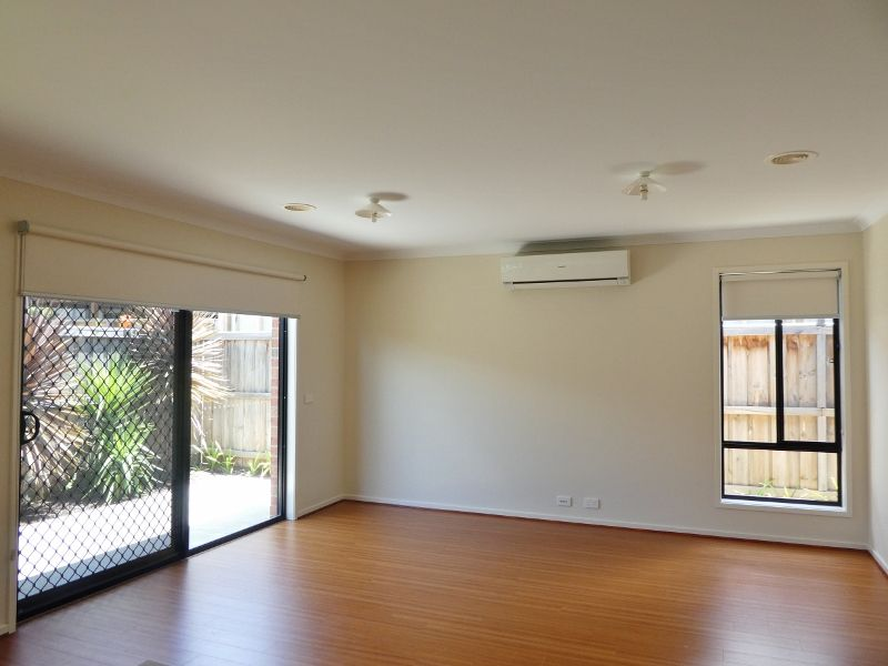 13 Teviot Street, Clyde VIC 3978, Image 2