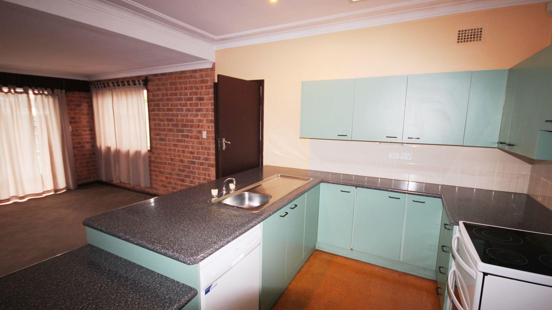 15 Moorefield Avenue, Kogarah NSW 2217, Image 1