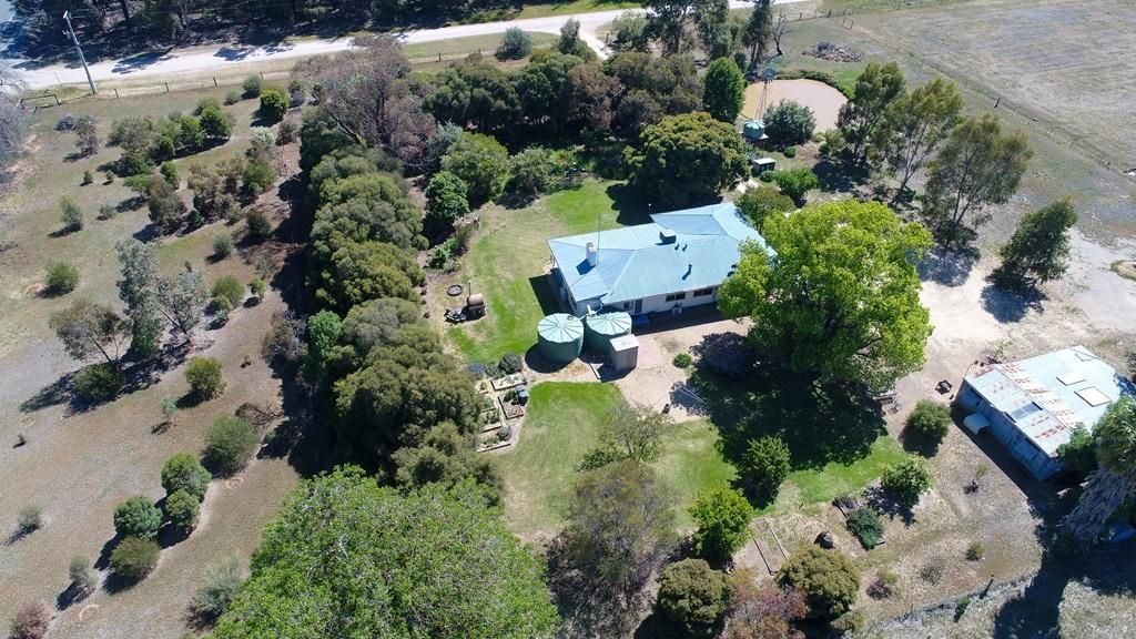 8 Butts Road, Numurkah VIC 3636, Image 2