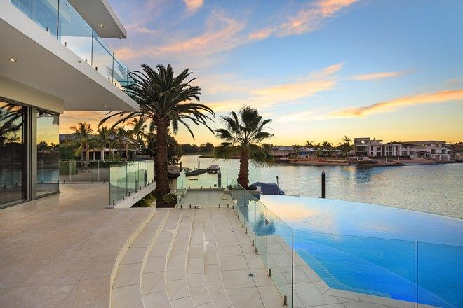 Picture of 30 Seafarer Court, PARADISE WATERS QLD 4217