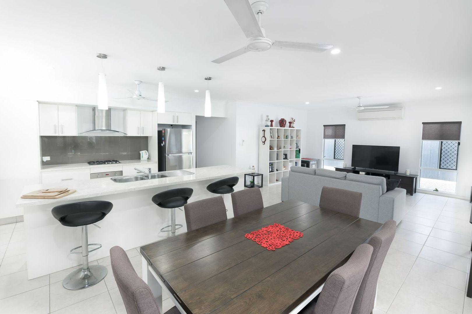 2 Seaways Street, Trinity Beach QLD 4879, Image 2