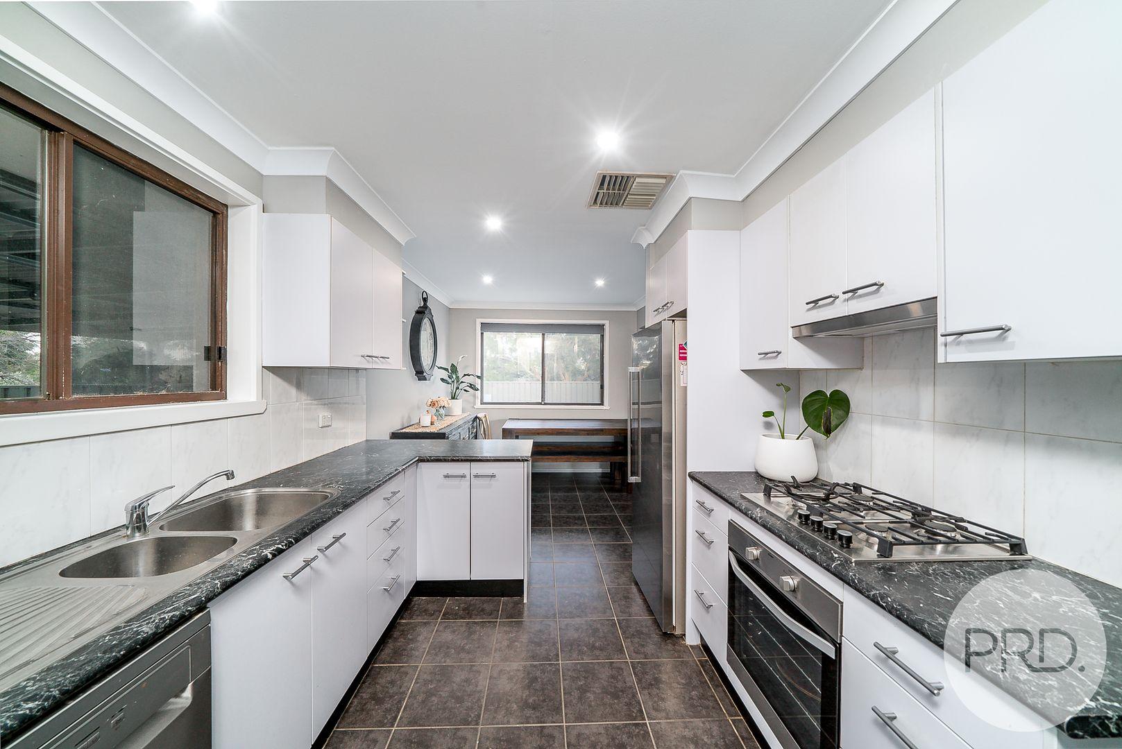 54 Maple Road, Lake Albert NSW 2650, Image 1