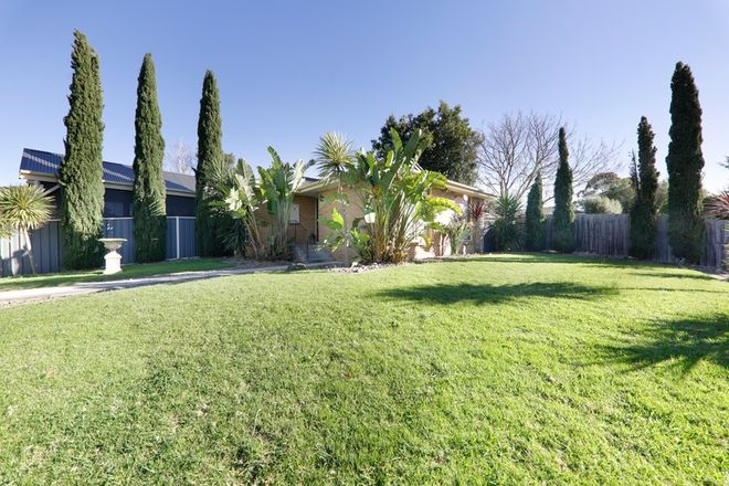 Picture of 7 Malmsbury Crescent, ROWVILLE VIC 3178