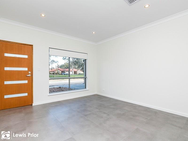 7 Sutherland Street, Park Holme SA 5043, Image 1