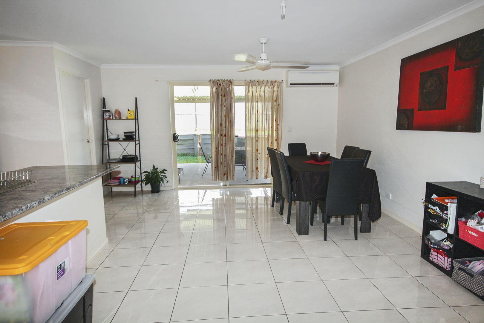 5 Decker Place, Southside QLD 4570, Image 2