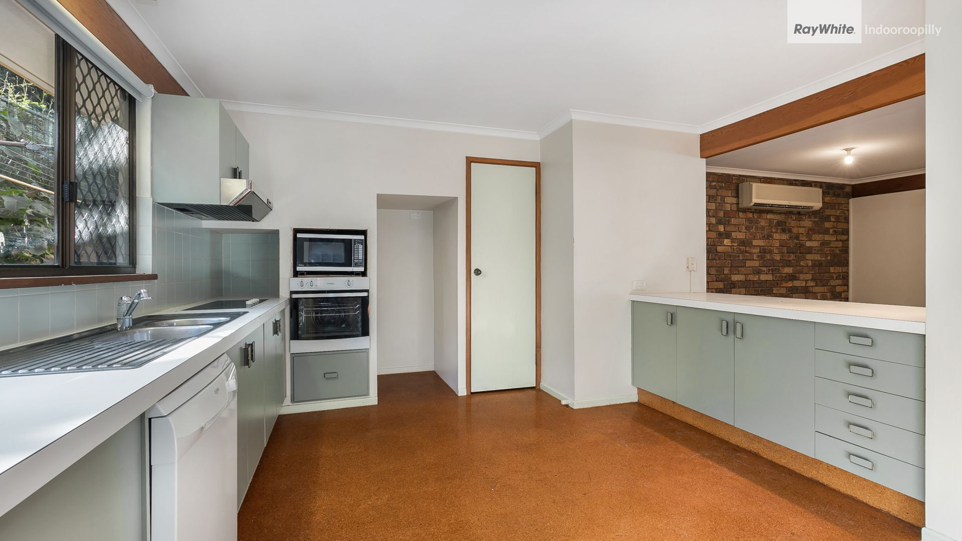 68 Woolley Street, Taringa QLD 4068, Image 2