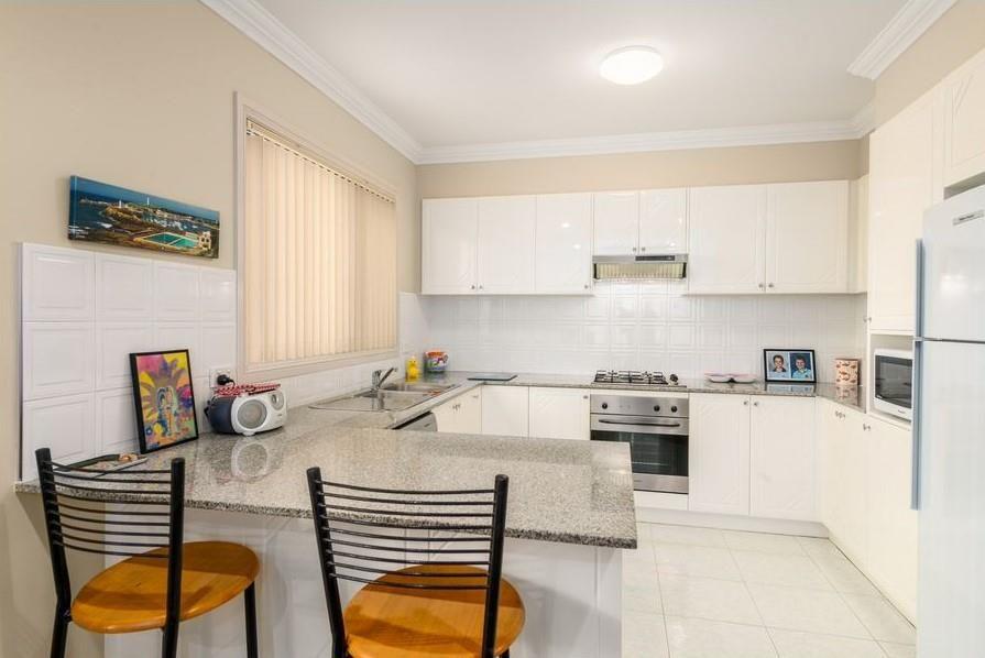 3/9 Stewart Street, Wollongong NSW 2500, Image 2