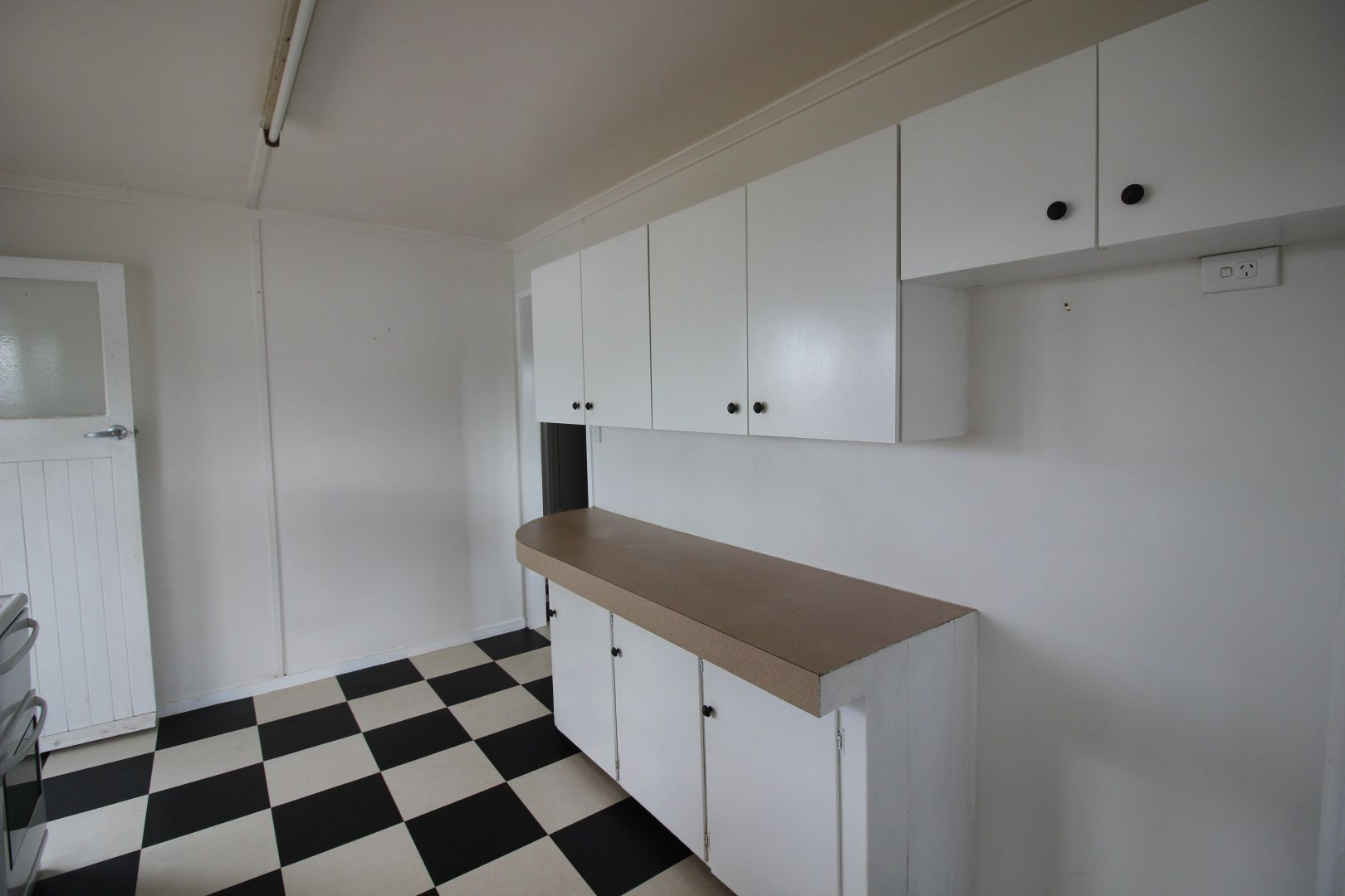 83 Fielding St, Gayndah QLD 4625, Image 2