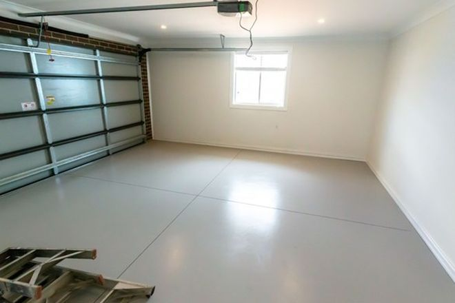 Picture of 8 Twynam Avenue, WINDRADYNE NSW 2795