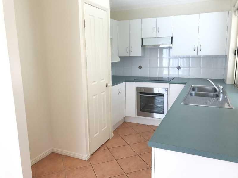 2/6 Parkside Street, Tannum Sands QLD 4680, Image 1