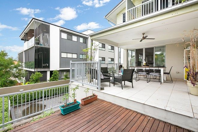 Picture of 4/106 Carmody Road, ST LUCIA QLD 4067