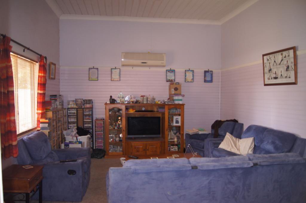 36 Pinnuck Street, Finley NSW 2713, Image 1