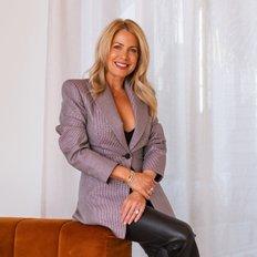 Sarah Hackett, Sales representative