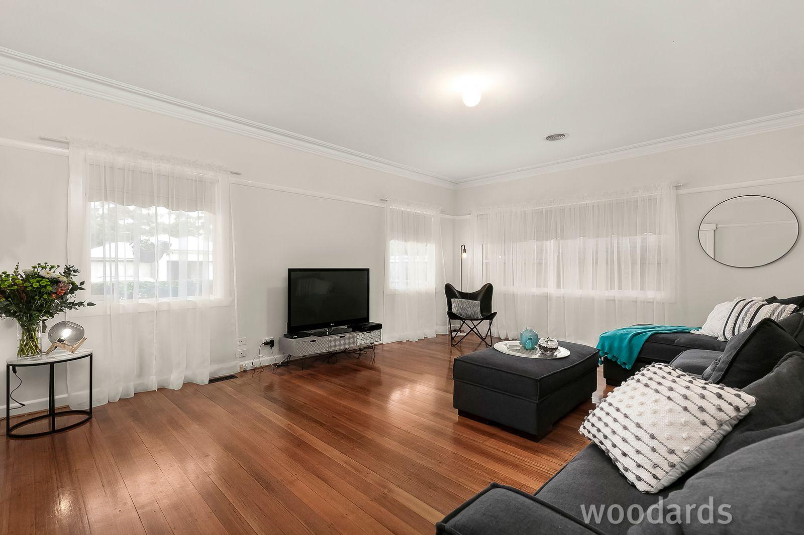 9 Voumard Street, Oakleigh South VIC 3167, Image 2