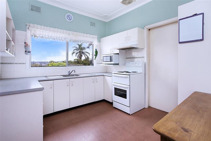 13 Abbott Road, Heathcote NSW 2233, Image 1