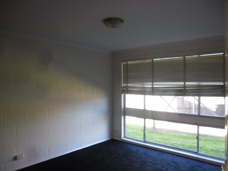 2/5 Edmill Court, Belmont VIC 3216, Image 3