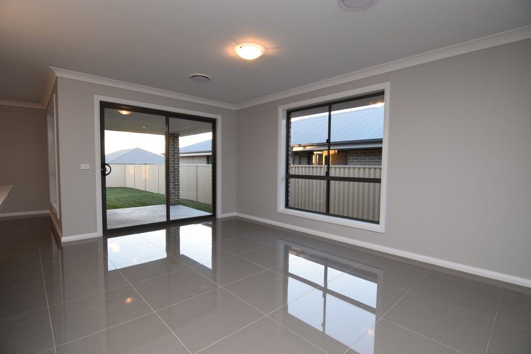 68 Basalt Drive, Kelso NSW 2795, Image 2