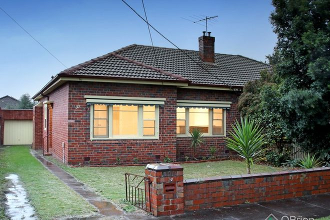Picture of 37 Abbeygate Street, OAKLEIGH VIC 3166