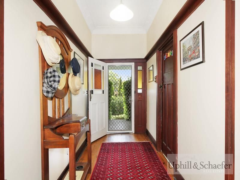6 Reginald Avenue, Armidale NSW 2350, Image 1