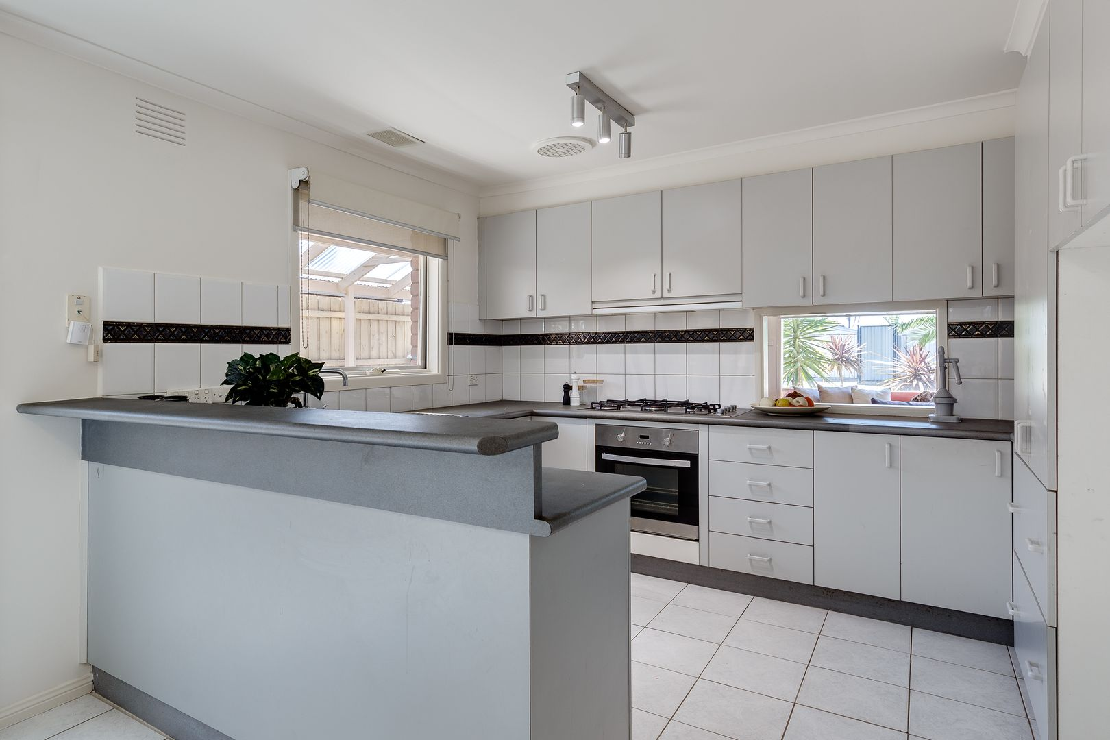 5 Bouverie Place, Epping VIC 3076, Image 1