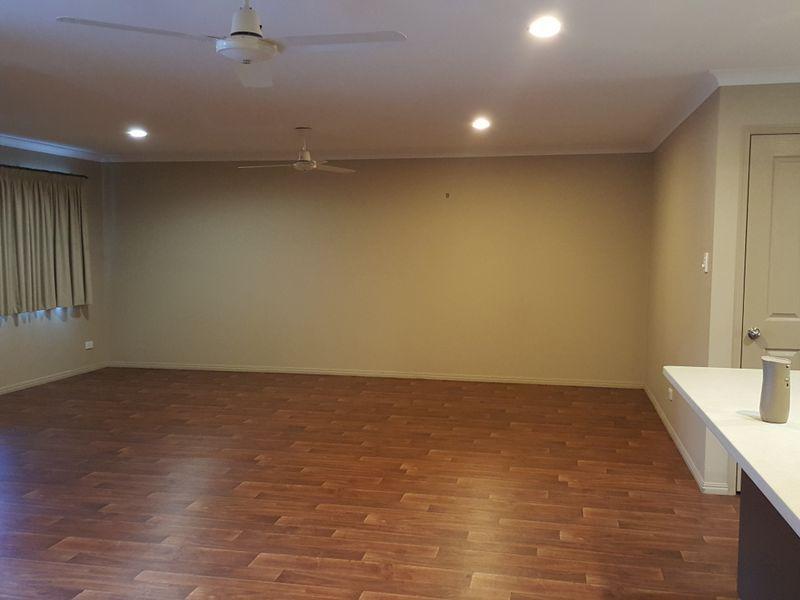 2/33 Waratah Street, Kin Kora QLD 4680, Image 2