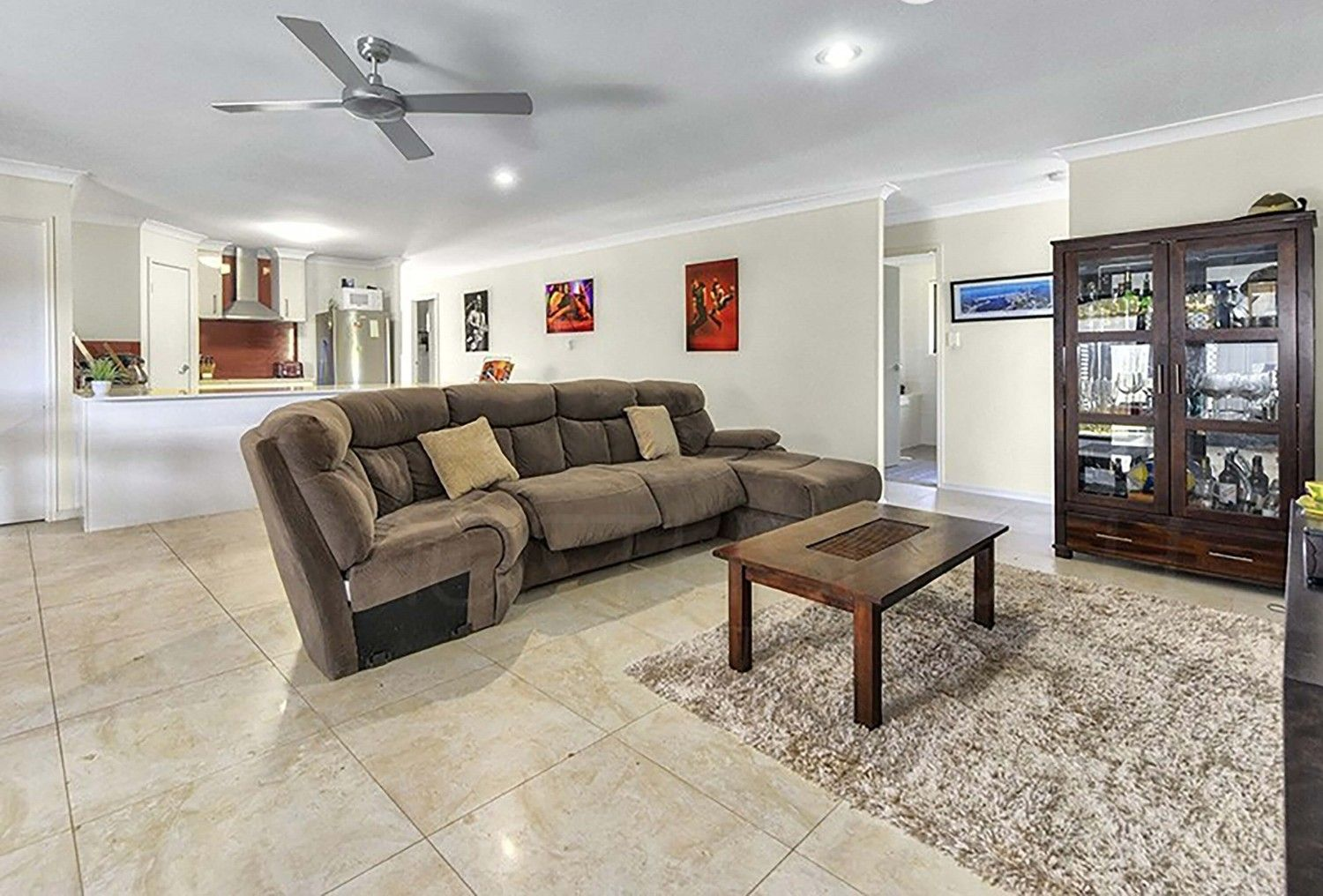37 Dennis Vale Drive, Daisy Hill QLD 4127, Image 2