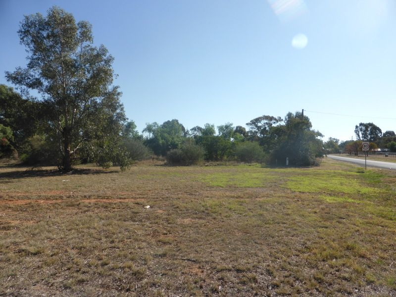 11 Tanks Road, Parkes NSW 2870, Image 0