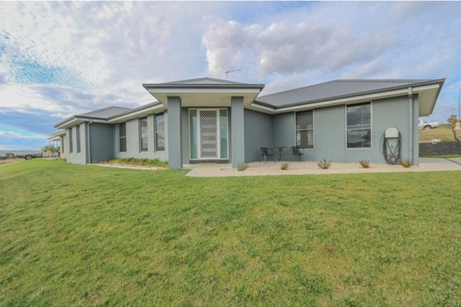 Picture of 43 Munro Street, WINDRADYNE NSW 2795