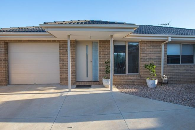Picture of 3/45 Holts  Lane, BACCHUS MARSH VIC 3340