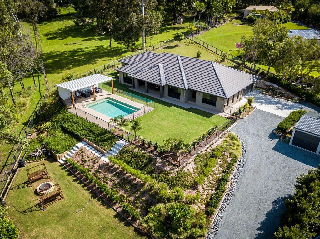 8 Leyshon Court, Bonogin QLD 4213, Image 1