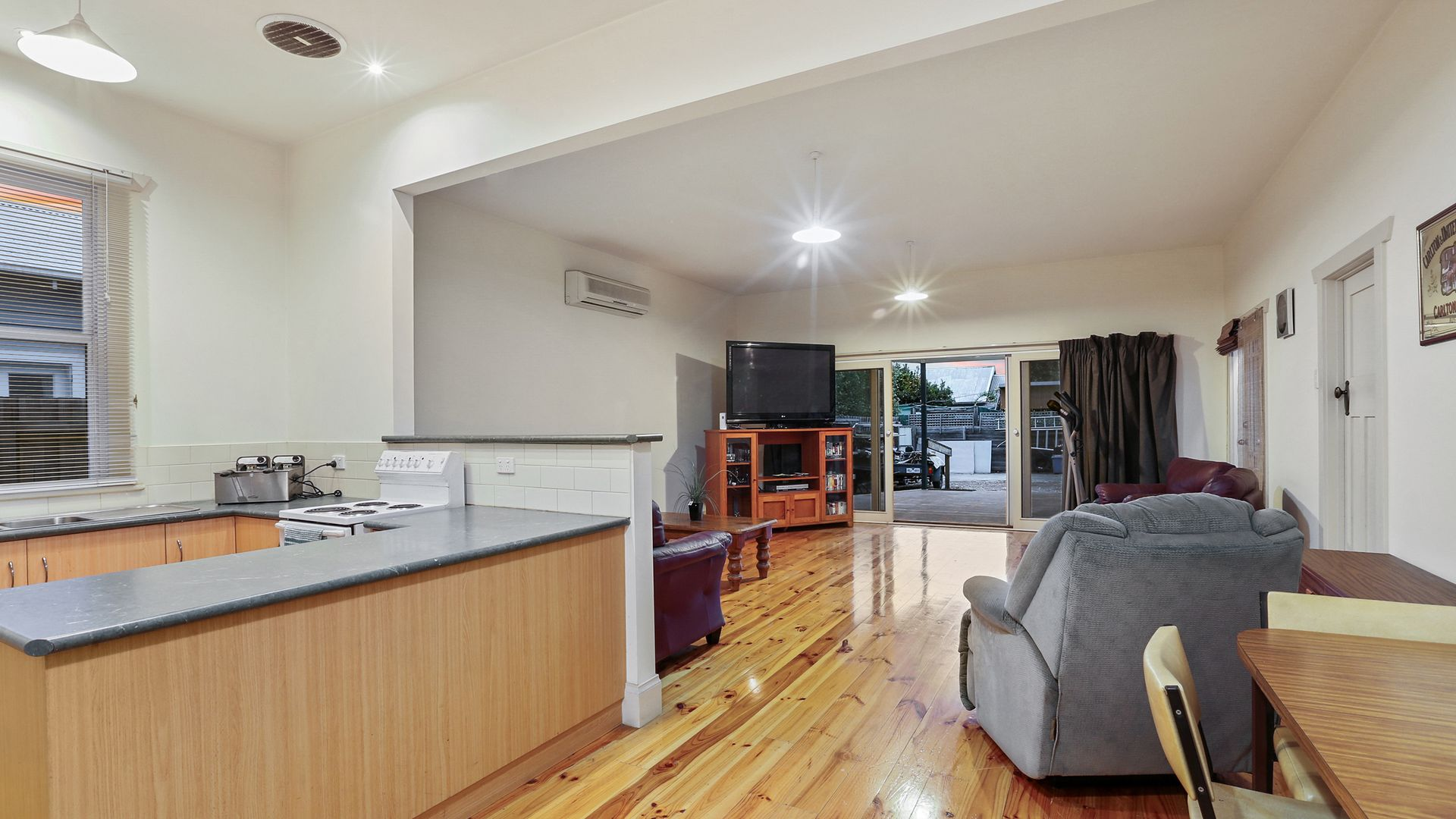 298 Bellerine Street, South Geelong VIC 3220, Image 2
