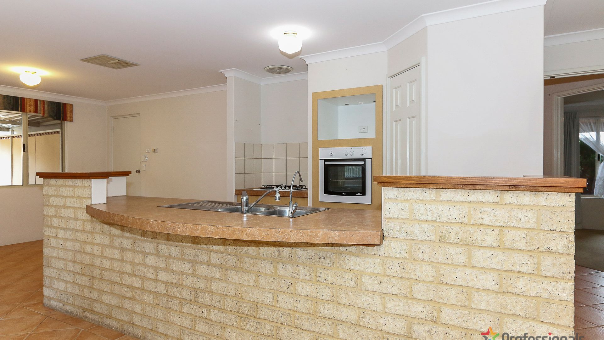 15 St Stephens Crescent, Tapping WA 6065, Image 2