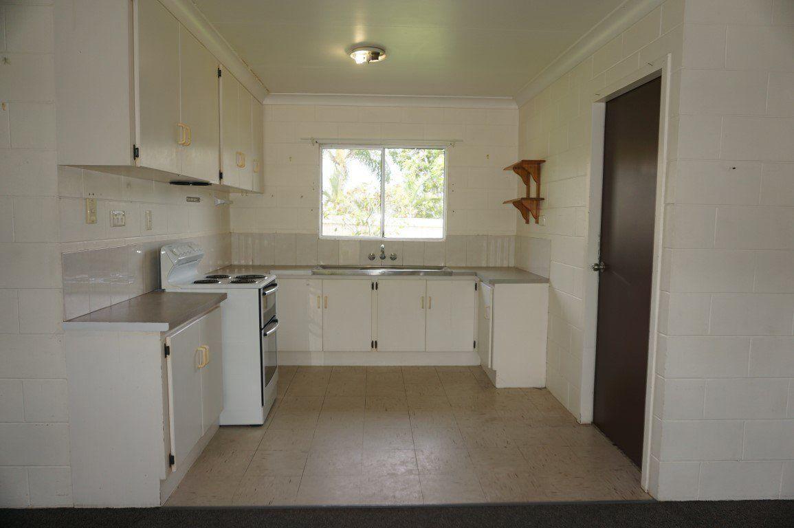 5/18 Poole Street, Bowen QLD 4805, Image 2