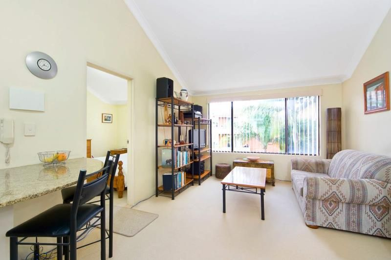 12/15 Oaks Avenue, Dee Why NSW 2099, Image 2