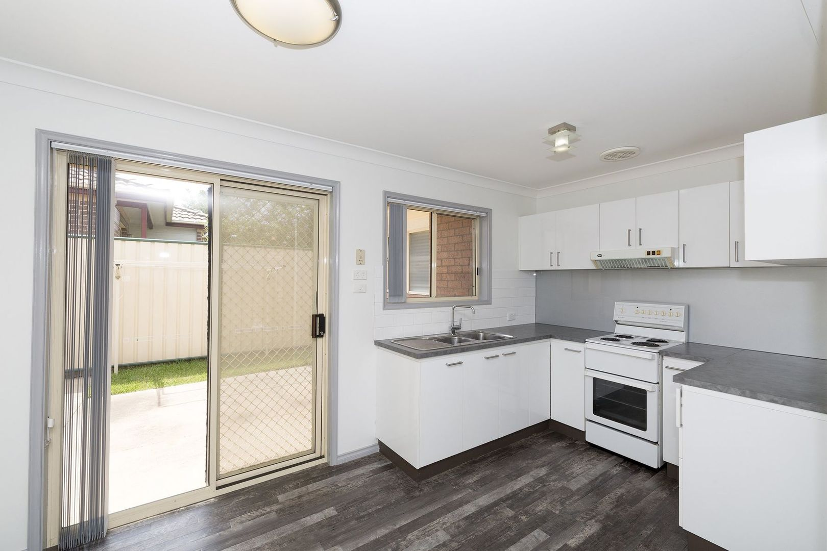 8/8-10 McLachlan Avenue, Long Jetty NSW 2261, Image 2