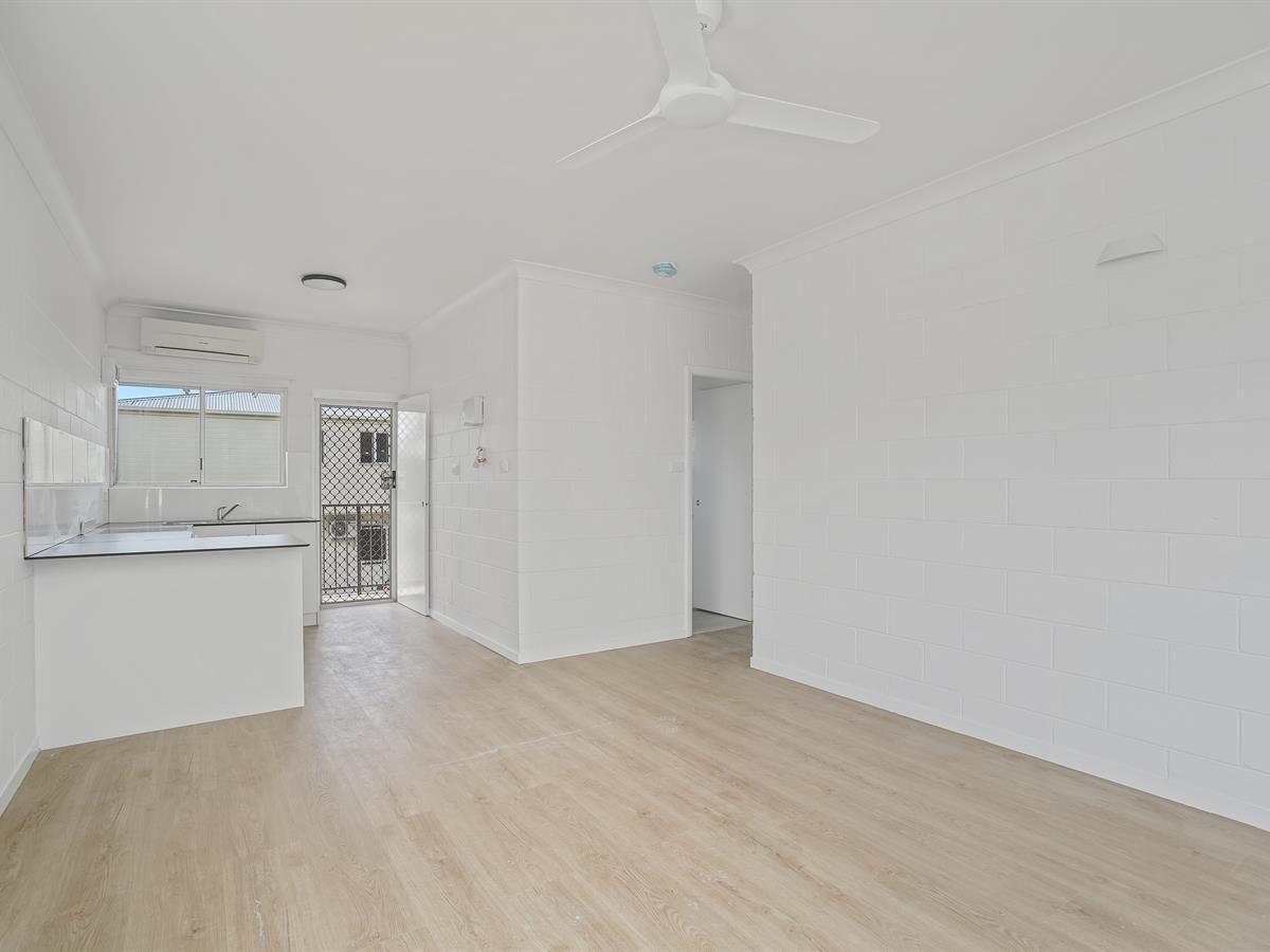 10/294 Draper Street, Cairns North QLD 4870, Image 2