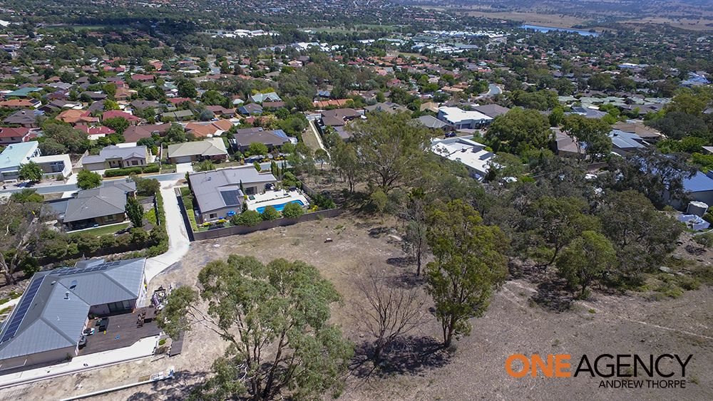 33 Florence Fuller Crescent, Conder ACT 2906, Image 2