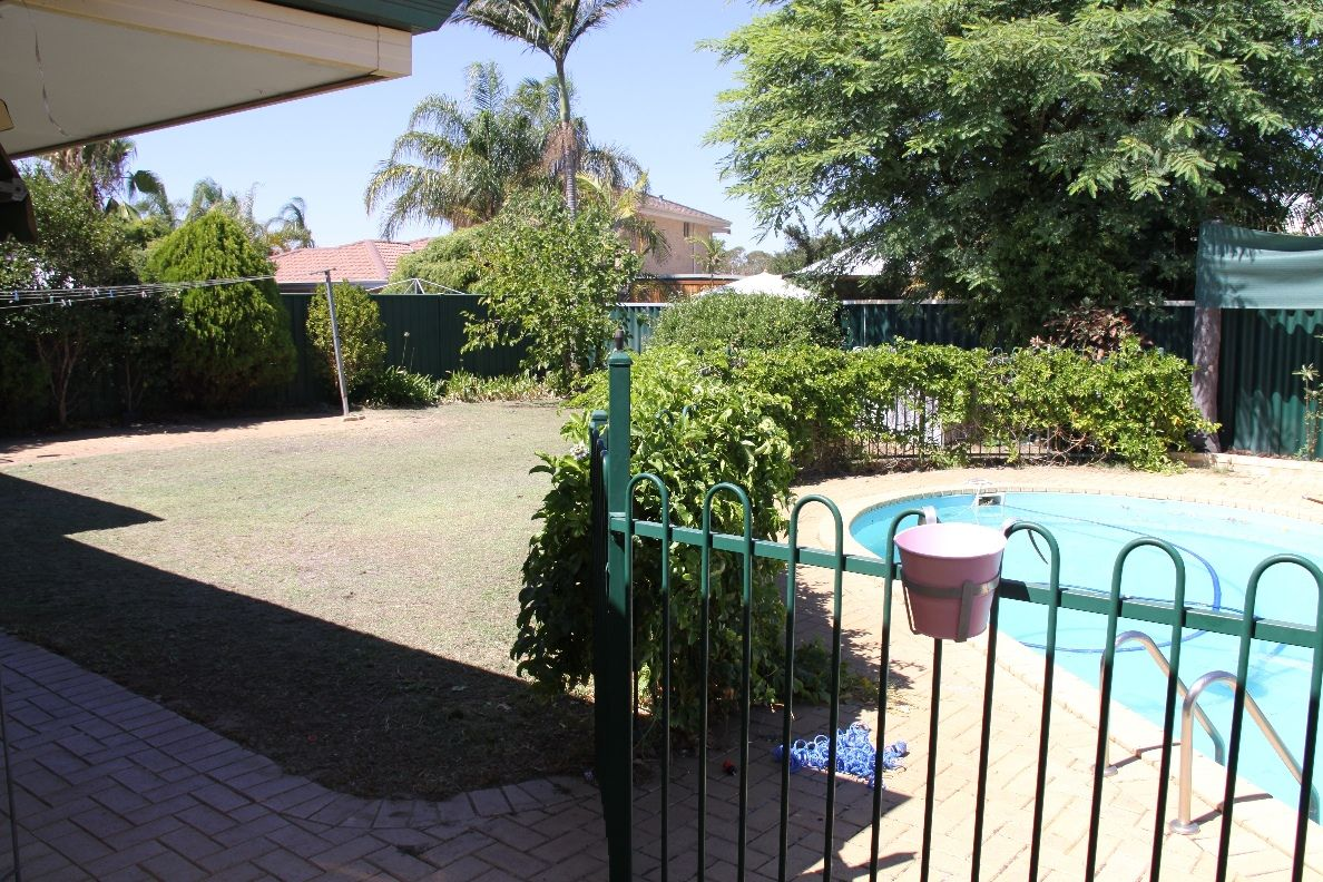 105 Meadowview Drive, Ballajura WA 6066, Image 20