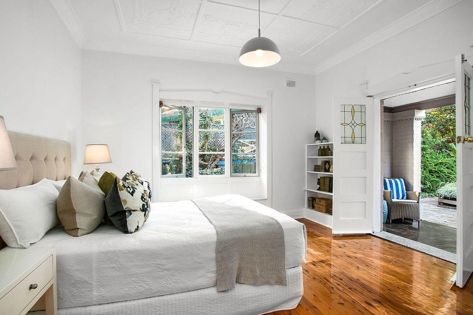 18 Strathallen Avenue, Northbridge NSW 2063, Image 0