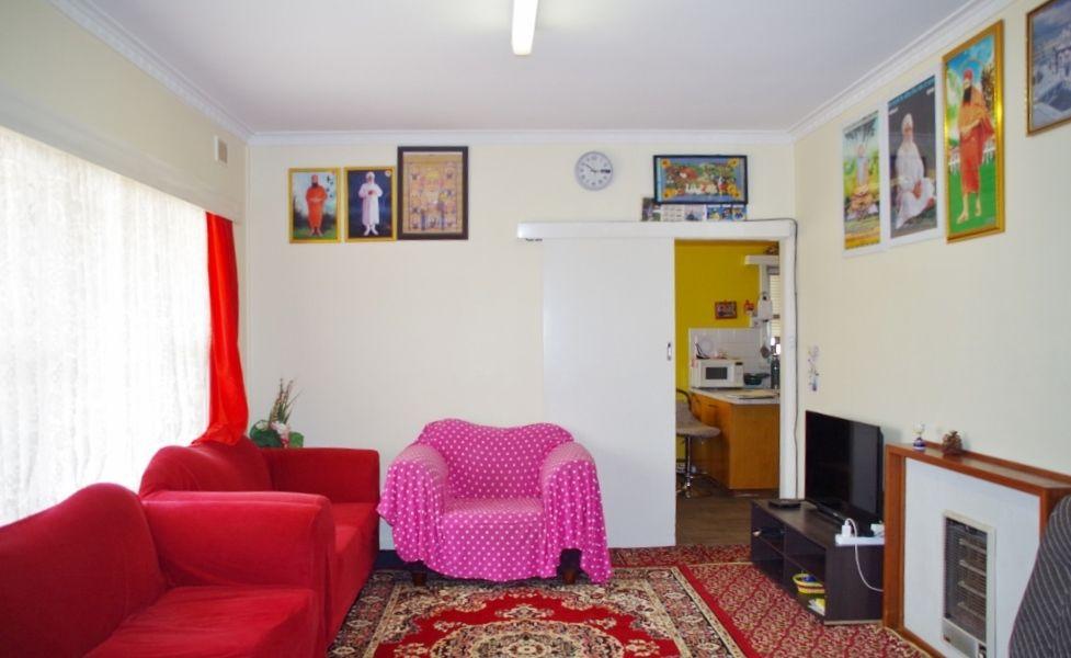 98 Thurk Street, Renmark SA 5341, Image 2