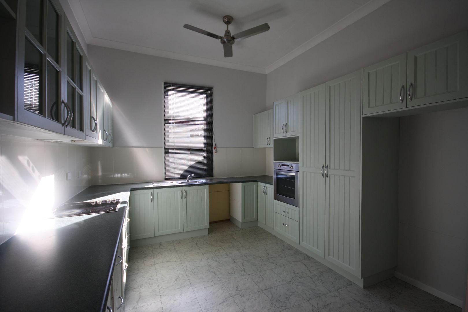 112 Percy St, Warwick QLD 4370, Image 2