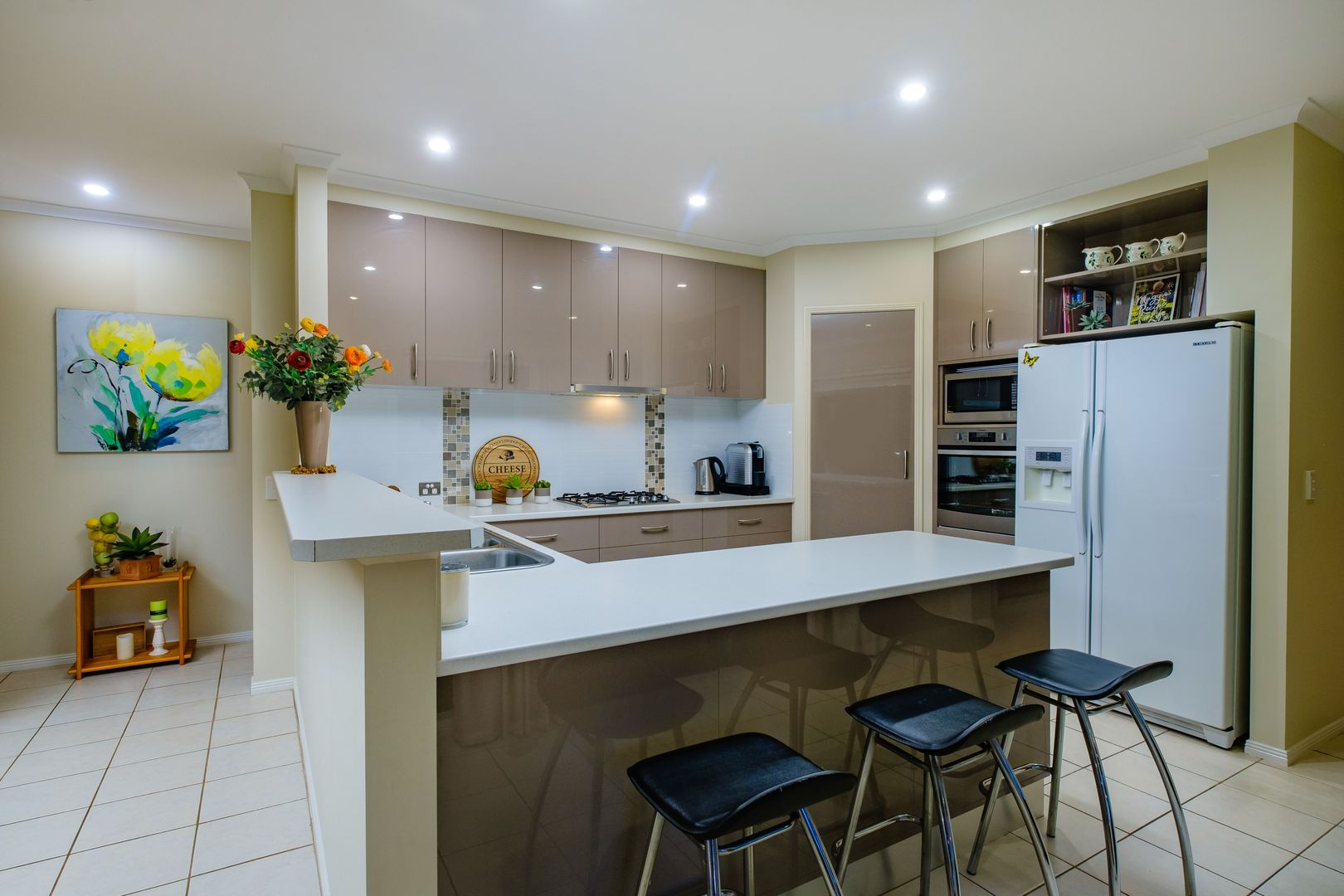 42 Jenny Wren Place, East Albury NSW 2640, Image 2