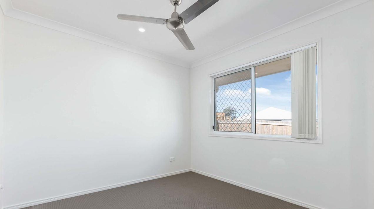 11 Mayfair Crescent, Kallangur QLD 4503, Image 2