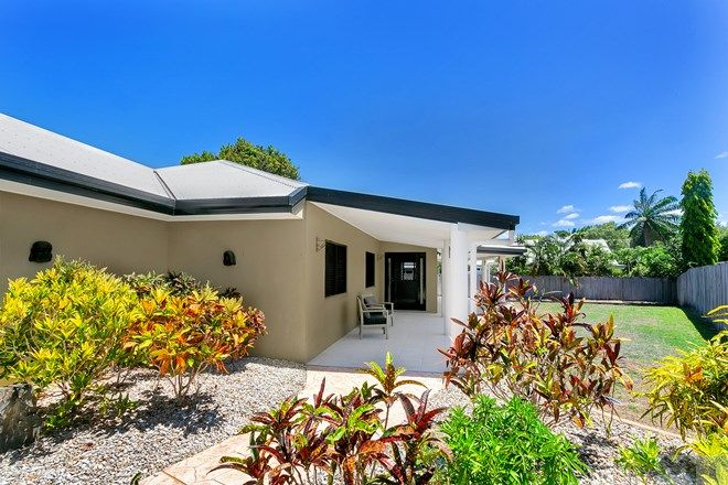 Picture of 15 Norfolk Close, HOLLOWAYS BEACH QLD 4878