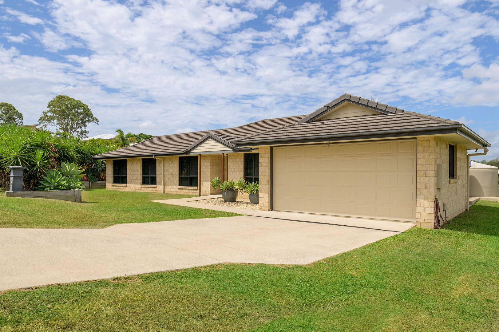 13 Eagle Hawk Drive, Southside QLD 4570, Image 0