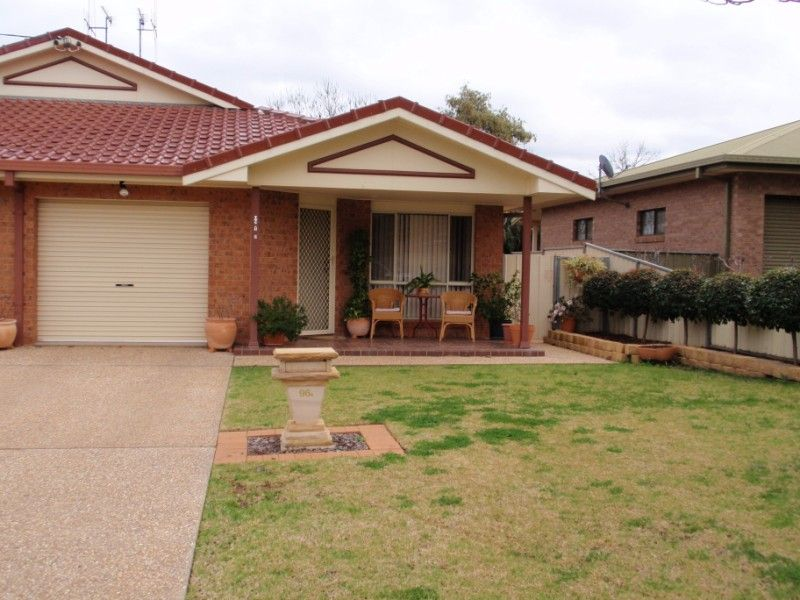 2/96A Calarie Road, Forbes NSW 2871, Image 0